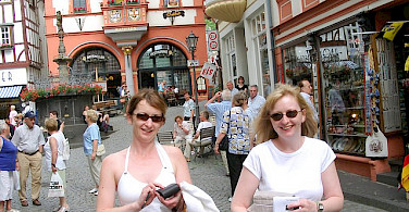 Shopping in Bernkastel Kues. Photo via Flickr:luxpim