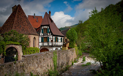 Small town living in Kaysersberg, Alsace, France. Flickr:Arnaud Fraioli