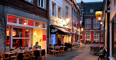 Cobblestone streets zigzag through Maastricht, Limburg, the Netherlands. Photo via Flickr:Jorge Franganillo
