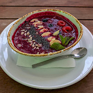 Smoothie bowl in Moscow, Russia. Flickr:Marco Verch