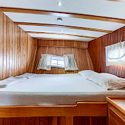 Double Cabin - Osman Kurt | Bike & Boat Tours