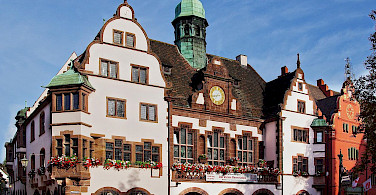 Neues Rathaus in Freiburg, Germany. Photo via Wikimedia Commons:Joergens.mi