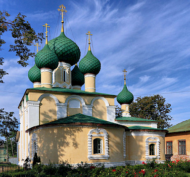 Alekseyevsky Monastery in Uglich. Photo via Flickr:Alexxx1979