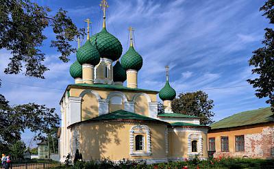 Alekseyevsky Monastery in Uglich. Photo via Flickr:Alexxx1979