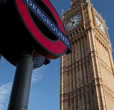 London's iconic symbols! Photo via Flickr:SuperCar-RoadTripfr