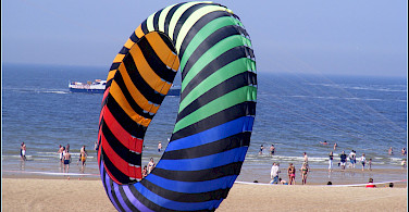 Beachtime in Ships in harbor in Ostende (also Oostende), West Flanders, Belgium. Photo via Flickr:sophie