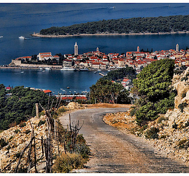 View of the harbor in Rab, Croatia. Photo via Flickr:sobrecroaciacom