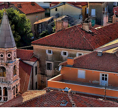 Rooftops in Zadar. Photo via Flickr:sobrecroaciacom