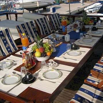 Odisej - Outdoor Dining - Odisej | Bike & Boat Tours