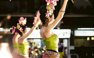 Thai dancers in Chiang Rai. Photo via Flickr:AmrenB Photography