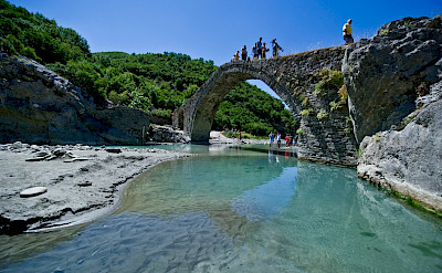 Katiu Bridge in Përmet, Albania. Flickr:Arbenllapashtica