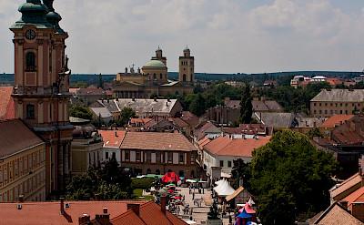 Shopping in Eger, Hungary. Photo via Flickr:hettie