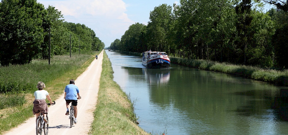Caprice | Bike & Boat Tours