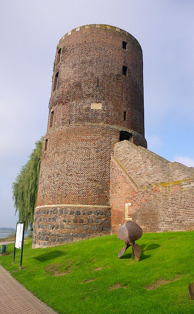 Mühlenturm Tower on the medieval wall in Rees, Germany. Wikimedia Commons:Volker1978