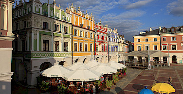 Outdoor cafes in Zamosc. Photo via Flickr:PolandMFA