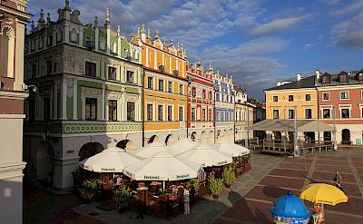 Outdoor cafes in Zamosc. Photo via Flickr:PolandMFA