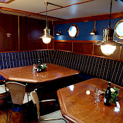 Dining - Wapen fan Fryslan - Boat & Bike Tours