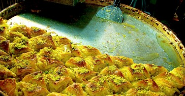 Bourekas, popular Israeli food. Photo via Flickr:Karendesuyo