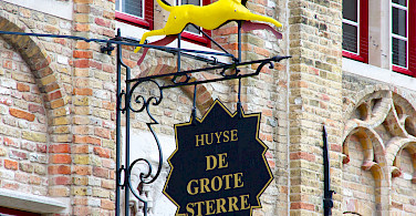 Bike rest in Damme, West Flanders, Belgium. Photo via Flickr:Daniel Nugent