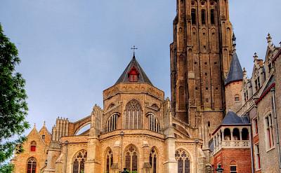 Onze-Lieve-Vrouwekerk in Bruges, West Flanders, Belgium. CC:Wolfgang Staudt
