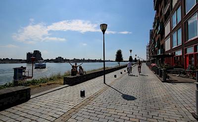 Promenade in Papendrecht, South Holland, the Netherlands. Flickr:bert knottenbeld