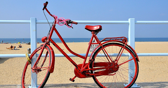 Biking in Scheveningen, the Netherlands. Flickr:FaceMePLS
