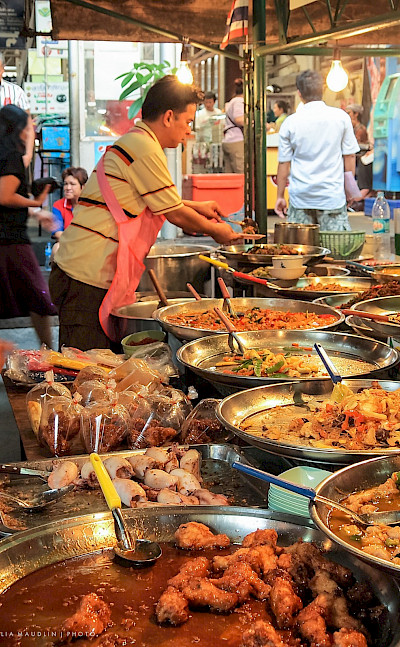 Street food to try in Bangkok, Thailand. Photo via Flickr:Julia Maudlin