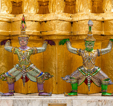 Decorative statues in Bangkok, Thailand. Photo via Flickr:Xiquinho Silva