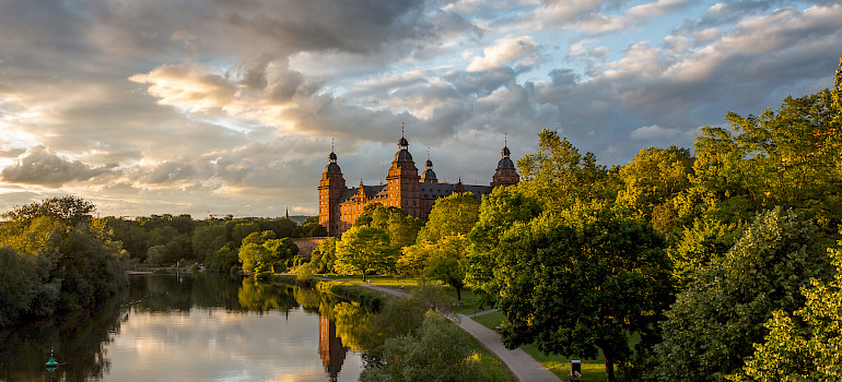 Schloss Johannisburg, Aschaffenburg, Germany. Photo via Flickr:Carsten Frenzl