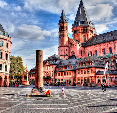 Cathedral or Domkirche in Mainz is majestic! Photo via Flickr:polybert49