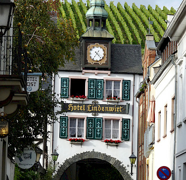 More vineyards and amazing architecture in and around Rudesheim, Germany. Photo via Flickr:Michael Clarke Stuff