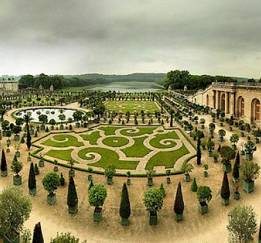 Gardens at the Palace of Versailles. Photo via Flickr:Panoramas