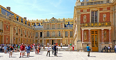 Palace of Versailles in all its splendor! Photo via Flickr:Dennis Jarvis