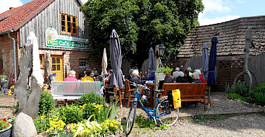 Bike rest on Berlin - Stralsund bike tour. Photo via Tour Operator