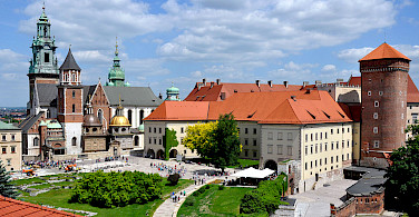 Wawel Castle in the historic center of Krakow, Poland. Photo via Wikimedia Commons:FotoCavallo