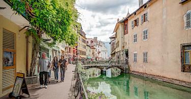 Bike rest in Annecy in Haute Savoie, France. Flickr:Jean Balczesak