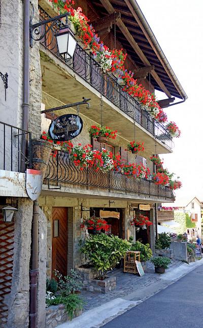 Flowers in Yvoire, France. Flickr:Dennis Jarvis