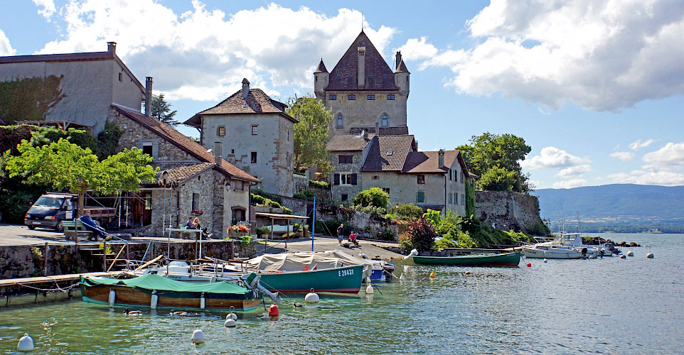 Lakeside resort in Yvoire, France. Flickr:Dennis Jarvis