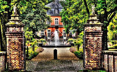 Baroque Schloss Wickrath in North Rhine-Westphalia in Germany. Flickr:Polybert49