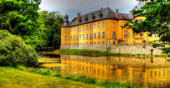 Schloss Dyck in North Rhine-Westphalia region of Germany. Flickr:Polybert49