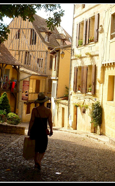 Shopping in Bergerac, Dordogne, France. Flickr:Evan Bench