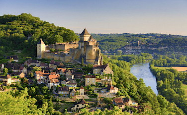 Beautiful Beynac in Dordogne, France. Photo via Flickr:Francisco Javier Garcia Orts