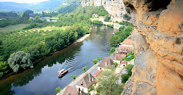 Troglodyte rock along the Dordogne River. Photo via Flickr:Steve Jurvetson