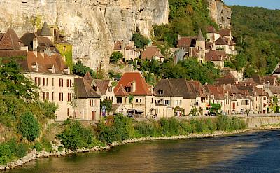 La Roque-Gageac along the Dordogne River. Photo via Flickr:Stephane Mignon