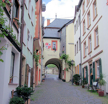 Graach Gate in Bernkastel-Kues, Germany. Photo via Flickr:Jim Linwood