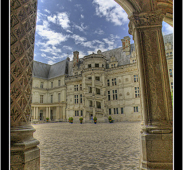 Chateau de Blois in Blois, France. Photo via Flickr:@lain G