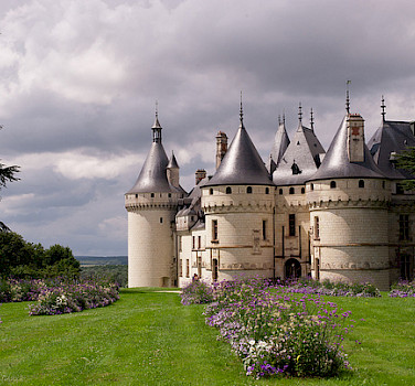 Chaumont-sur-Loire, France. Photo via Flickr:Yohann Legrand