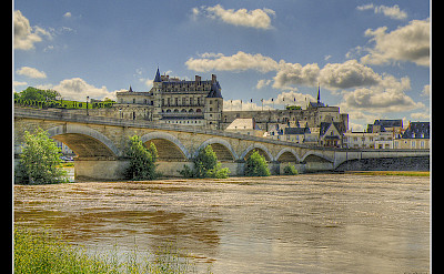La Loire and Château in Amboise, France. Flickr:@lain G