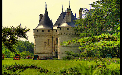 Relaxing at Château de Chaumont-sur-Loire in Chaumont, France. Flickr:@lain G