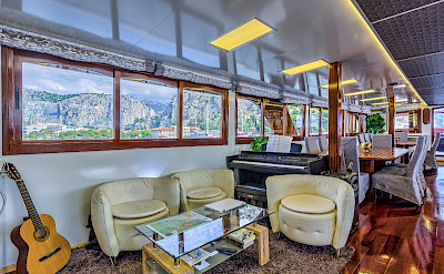 Saloon/Dining Room on the Melody - Bike & Boat Tours